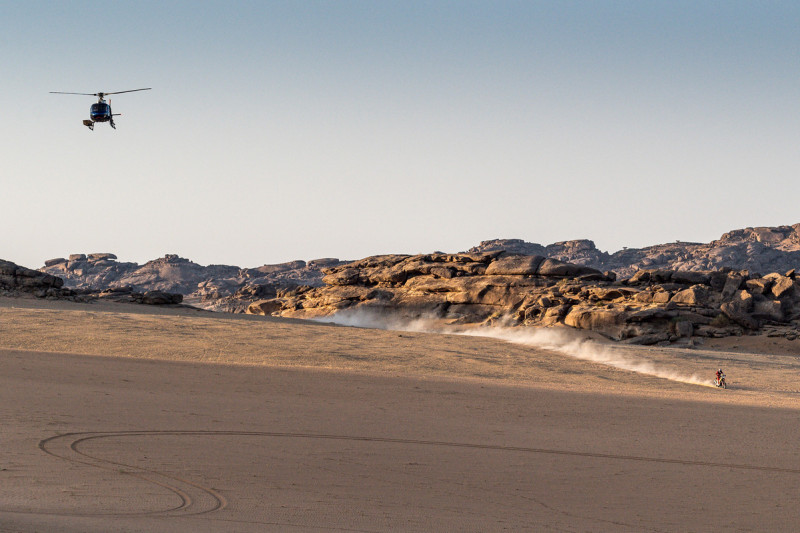 2021-Dakar-Rally-Stage-Two_0160