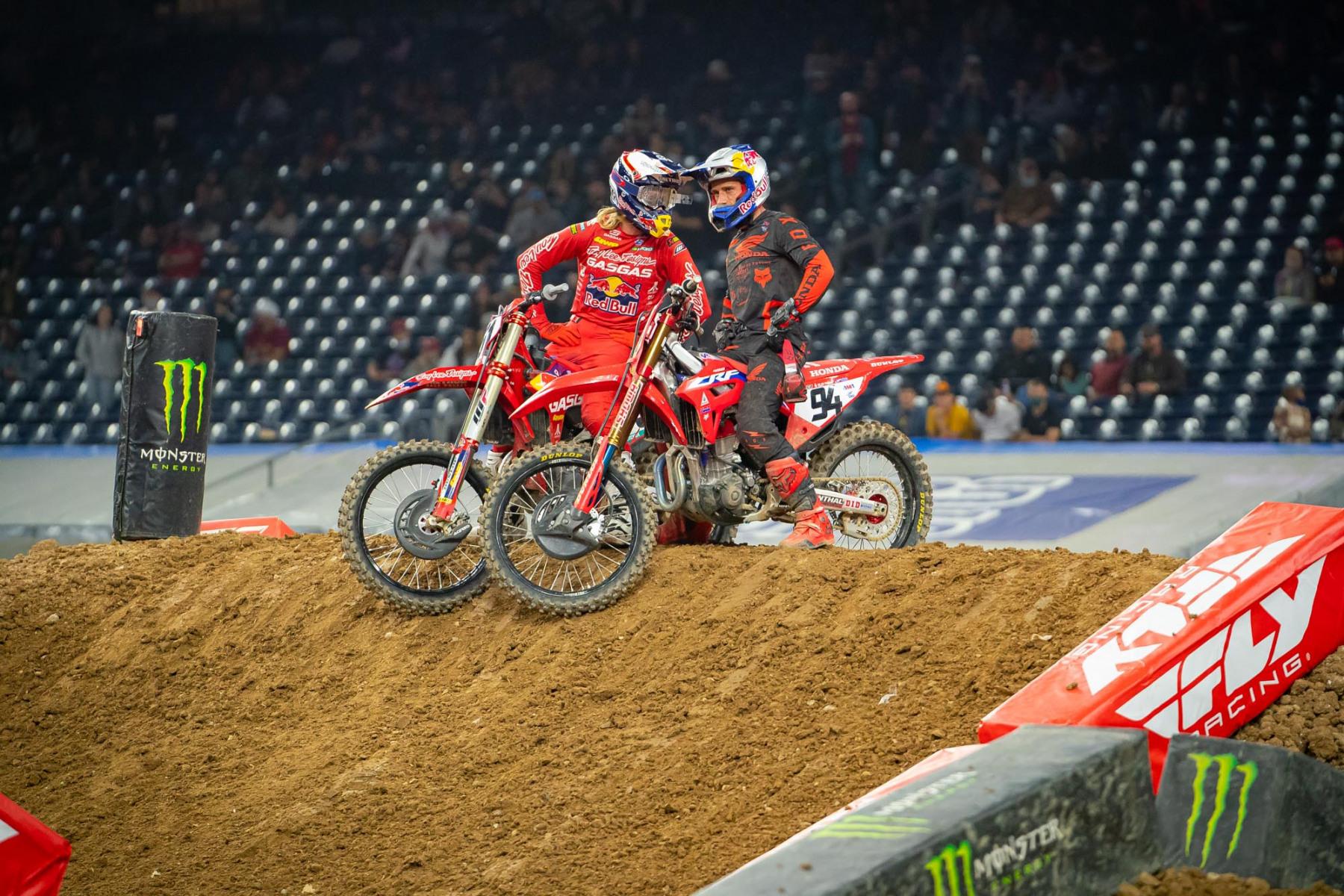 2021-Houston-One-Supercross_Kickstart_0706