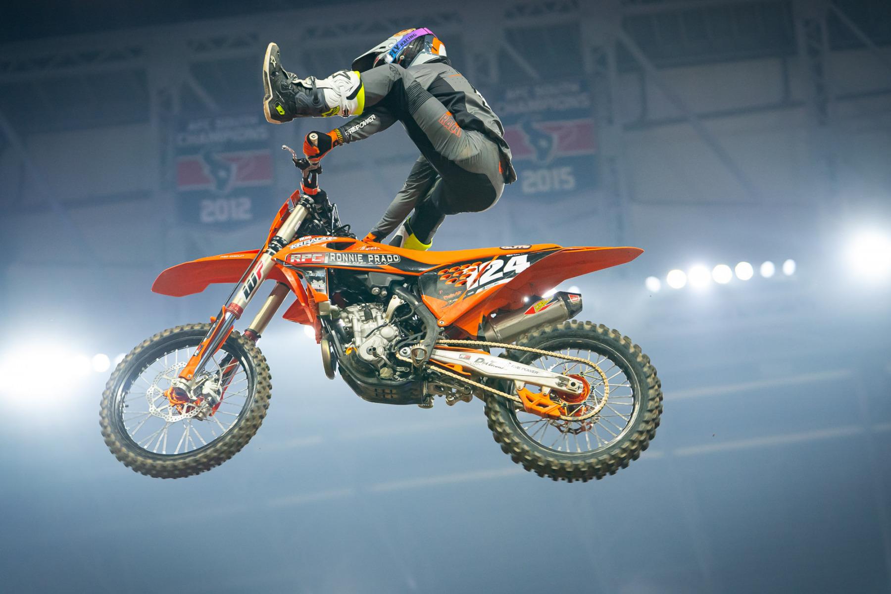 2021-Houston-Two-Supercross_Kickstart_0801